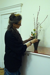 Alexandra Shenpen Ikebana instruction